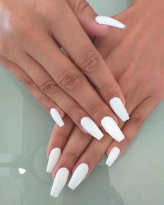 white nails farbverlauf Wonderful Long White Nail Designs to Show . - - white nails farbverlauf Wonderful Long White Nail Designs to Show Off in 2019 : Page 8 of 29 : Creative Vision Design Long White Nails, White Coffin Nails, White Nail Art, Coffin Nails Long, Long Nails, Matte White Nails, Coffin Shape Nails, White Acrylic Nails With Glitter, White Stiletto Nails