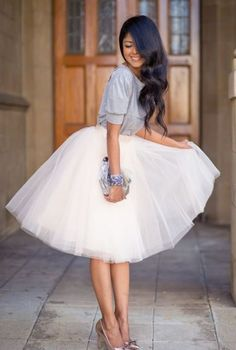 Un simple jupon de tulle cousu à un top court, voilà une jolie robe facile à porter
