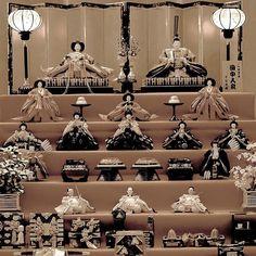 """Праздничные куклы ко дню девочек 3 марта от знаменитой в Киото и Японии фирмы """"Куклы Танака"""" #куклы #фестивали #праздники #Япония  #традиции  #март #кимоно #украшение #интерьер  #Киото"""