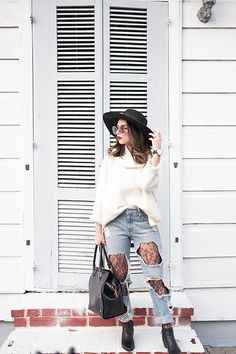 Daniela Ramirez - Forever 21 Sweater, Forever 21 Lace Tights, Ted Baker Bag - Lace tights under ripped jeans Ripped Jeans With Fishnets, Tights Under Jeans, Lace Tights, Tights Outfit Winter, Pantyhose Outfits, Fashion Tights, Girls Jeans, Fall Outfits, Night Outfits