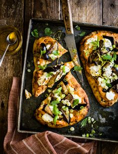 Try these easy naan pizzas with aubergine and goats' cheese. A fabulous fusion of flavours that's ready in just 20 minutes - that's quicker than a delivery! Easy Family Meals, Quick Easy Meals, Naan Pizza, Veggie Dinner, Baked Garlic, Midweek Meals, 30 Minute Meals, Deep Dish, Soup And Salad