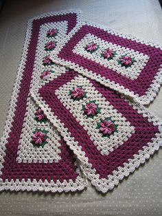The Snow is Dancing pattern by Darma Bregoli Crochet T Shirts, Crochet Crafts, Diy And Crafts, Crochet Patterns, Make It Yourself, Blanket, Sewing, Hobby, Crochet Doilies