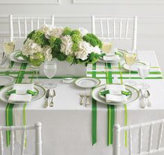 Ribbons on the table, nice idea.