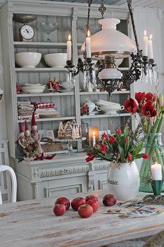 You can`t use up CREATIVITY. Scandi Christmas, Christmas Interiors, Woodland Christmas, Christmas Home, Vintage Christmas, Christmas Decorations, Table Decorations, Holiday Decor, Vibeke Design
