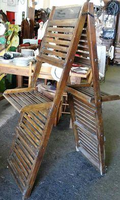 Display antigo de madeira ripada Usado em lojas início do séc XX