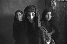 Egypt, 1950 - by Henri Cartier-Bresson – French Photography Lessons, Candid Photography, Amazing Photography, Street Photography, Portrait Photography, People Photography, White Photography, Walker Evans, Magnum Photos