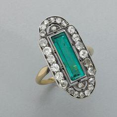 Art Deco emerald and diamond ring, ca 1910-1920