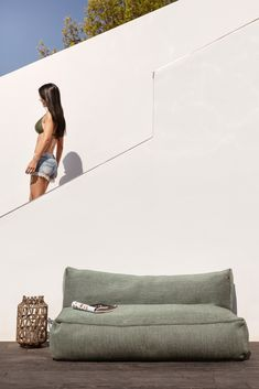 Outdoor Deck Decorating, Outdoor Furniture Design, Garden Furniture, Cool Furniture, Xl Sofa, Chalet Chic, Cozy Basement, Outdoor Bean Bag, Bean Bag Sofa