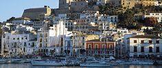 Barcos en el puerto de Ibiza.