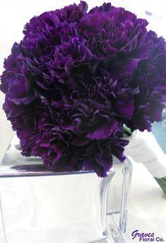 Purple Carnation Bouquet, Purple Carnations, Purple Bouquets, Purple Wedding Flowers, Dark Purple Flowers, Purple Calla Lilies, Lilac Sky, Wedding Blue, Flower Bouquets
