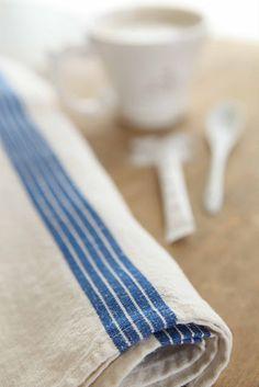 vintage linens Vintage Fabrics, Vintage Linen, Blue Shabby Chic, Linen Towels, Textiles, Cottage Living, Natural Linen, Linen Fabric, French Vintage