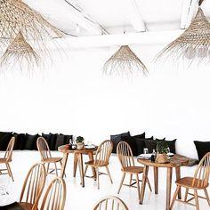 All you need is less!! #sangiorgiolove #hotel #mykonos #greece #island #summer #bohemian #boho #gypset #holidays #sun #designhotels #travel #interiors #minimalism #beachhotel #beach #decor #bohostyle #hippy #sunshine #summertime #vacationtime #instasummer #sangiorgiomykonos Photographed by @saasha_burns