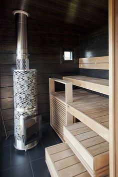 Of all the facilities you can use in a spa, the most popular one has to be a sauna. Diy Sauna, Sauna Steam Room, Sauna Room, Saunas, Sauna House, Outdoor Sauna, Sauna Design, Finnish Sauna, Home Spa