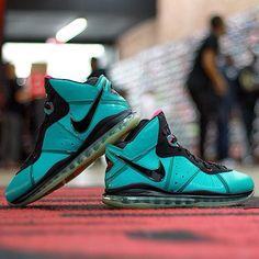 b81edcb80bf2 28 Best Nike Slides images