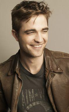 Robert Pattinson his smile is amazing
