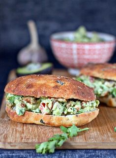 (in Polish with translator) Chicken Avocado Sandwich, Salad Sandwich, Healthy Salad Recipes, Snack Recipes, Chicken Breakfast, Wrap Recipes, Food Inspiration, Love Food, Avocado Salad