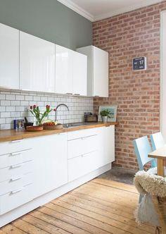 White Gloss Kitchen Units by Ikea Brick Slip Wall Fired Brick Wall Kitchen, Kitchen Flooring, Brick Slips Kitchen, Metro Tiles Kitchen, Exposed Brick Kitchen, Modern Kitchen Tiles, Brick Flooring, Flooring Ideas, Wooden Flooring