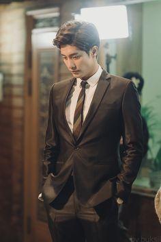 sunghoon1983_support #sunghoon new drama shooting #MySecretRomance photo by #godinmedia Thank you #성훈 #배우성훈  #ソンフン #방성훈 #成勋 #成勛 #sunghoon1983 #sunghoon1983_support More videos & photos pls. vi…