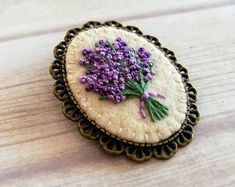 Lavender Brooch Gift for grandma gift for aunt Gift for - DIY Gifts Wedding Ideen Hand Embroidery Flowers, Embroidery Jewelry, Aunt Gifts, Grandma Gifts, Couching Stitch, Diy Shampoo, 40th Birthday Gifts, Birthday Crafts, Mom Birthday