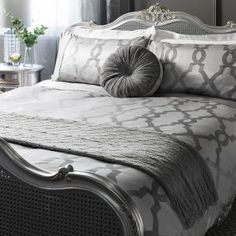 Instantly update any bedroom with this 200 thread count Egyptian cotton duvet set, featuring an understated design.Geometric glimmer all over Jacquard quilt cover set with plain top border detailIncludes: 1 x kingsize duvet cover, 2 x pil Bedding Sets Uk, Toddler Girl Bedding Sets, Duvet Sets, Marble Duvet Cover, Velvet Duvet, Double Duvet Covers, King Size Duvet, Stylish Beds, Quilt Cover Sets