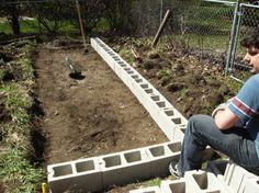 DIY-Raised-Garden-Bed-With-Cinder-Blocks-4