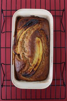I have been feeling left out and I have decided to jump onto the lockdown banana bread train. Banana bread is such a traditional thing here in South Africa and& My Recipes, Vegan Recipes, Bread Tin, Plain Cake, Just Bake, 200 Calories, Cake Flour, Cooking Time, Vegan Vegetarian