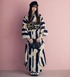 KIMONO by NADESHIKOさんはInstagramを利用しています:「* KIMONO by NADESHIKO 18'新作 ・ 《さいしょのきもの》 ・ 気軽に合わせたい帯。 ・ 幾何学的なタイル模様は、和なきものにも、モダンなきものにも合わせることができます。 ・…」 Japanese Outfits, Japanese Fashion, Asian Fashion, Kimono Outfit, Kimono Fashion, Kimono Style, Kimono Japan, Japanese Kimono, Traditional Kimono