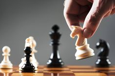 Na vida ou no xadrez vence quem pensa muito além dos obstáculos.  Quando o que representa um obstáculo para muitos aparecer, já esteja muitos passos adiante e VENÇA o jogo.  #Chess #Vida #Tecnologia