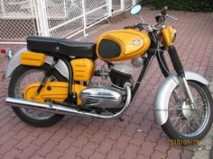 European Motorcycles, Mad Max, Eastern Europe, Vespa, Old And New, Motorbikes, Harley Davidson, Bmw, Vehicles