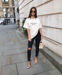 Women Jeans Outfit Girl Fashion Show Dresses Jins Pant Loose Jeans Petite Flared Trousers Khaki Dress Pants Jeans And Heels Outfit Heels Outfits, Outfit Jeans, Jean Outfits, Classy Outfits, Casual Outfits, Cute Outfits, Casual Heels Outfit, Summer Outfits, Fashion Show Dresses