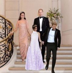 Duchess of Sussex - Meghan Markle and Duchess of Cambridge - Kate Middleton Harry And Meghan Wedding, Harry Wedding, Prince Harry And Megan, Lady Diana, Princesa Diana, Princess Kate, Duke And Duchess, Duchess Of Cambridge, Princesa Kate Middleton
