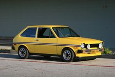 I want a super awesome Ford Fiesta. Pretty much exactly like this one. Like a Golf, just with better proportions and cheaper. Mk1, My Dream Car, Dream Cars, Vintage Cars, Antique Cars, Ford Rs, Old Fords, Best Classic Cars, Classic Motors