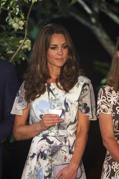 Kate drinking WATER instead of wine at the British Gala Reception at Eden Hall in Singapore ... could it be?