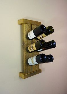 Rustic Barn Wood Wine Rack by HomesteadTraditions on Etsy, $44.00 Unique Wine Racks, Rustic Wine Racks, Glow Table, Barris, Pallet Wine, Barn Wood Crafts, Wine Rack Wall, Easy Wood Projects, Bottle Rack
