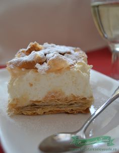 Cremeschnitte with vanilla cream and whipped cream Romanian Desserts, Romanian Food, Healthy Freezer Meals, Good Food, Yummy Food, Something Sweet, Caramel Apples, Just Desserts, Food To Make