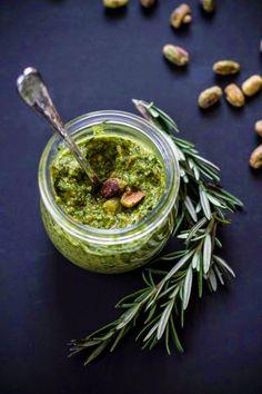 Pesto al pistacchio - Tra Cucina & Realtà -