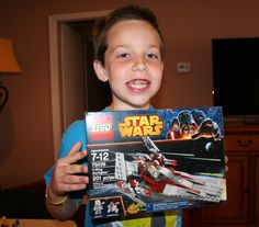 You Don't Have to Force Me to Play With the Lego Star Wars V-Wing Starfighter