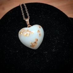 Heart with gold flakes added, gilded stainless steel necklace. Resin Jewelry Making, Jewellery Making, Memorial Jewelry, Stainless Steel Necklace, Dna, Heart Jewelry, Handmade Accessories, Jewelry Crafts, Pendant