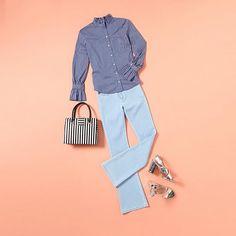 Combineer metallic sandalen met een lichte jeans #outfit #trends #blouse #jeans #metallic #hakken