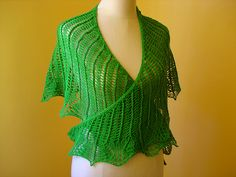 Ravelry: Balada (Leaf Lace Shawl) pattern by Inês Sousa