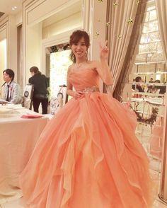 いいね!100件、コメント5件 ― gokiさん(@mifu_wedding)のInstagramアカウント: 「このカラードレスは表参道のbittersweet でレンタルし、式場持ち込みました(o^^o)  コーラルピンクまさか着るとは思ってなかったけど、これは一目惚れだった★…」