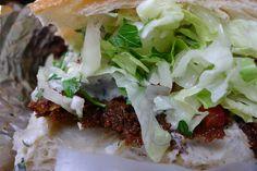 Vegan doner kebab with yogurt and herb dressing Yogurt, Berlin, Tacos, Mexican, Herbs, Vegan, Ethnic Recipes, Food, Essen