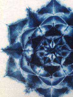 practicing the fine art of shibori Fabric Dyeing Techniques, Tie Dye Techniques, Shibori Tie Dye, Indigo Dye, Tie Dye Patterns, Sewing Patterns, Fabric Manipulation, How To Dye Fabric, Tye Dye