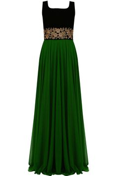 Vineti Bolaki presents Emerald green and black floral embroidered flared gown available only at Pernia's Pop Up Shop. Indian Gowns, Indian Outfits, Indian Wear, Designer Gowns, Indian Designer Wear, Anarkali Dress, Gowns Online, Party Gowns, Formal Gowns