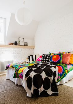 Love these linens and colors! Marimekko Home S/S 2016 press event Bed Design, House Design, Beautiful Bedrooms, Interior Accessories, Home Bedroom, Home Collections, Home Textile, Apartment Living, House Colors