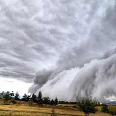 """The CELESTIAL Convergence: WEATHER PHENOMENON: The Sky Is Falling In Bozeman, Montana - Stunning And """"Unusual"""" Shelf Cloud Formation Creates..."""