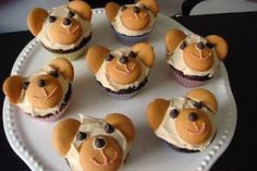 Cute, using wafer cookies and chocolate chips!
