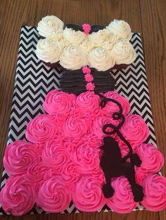 Poodle skirt cupcake cake