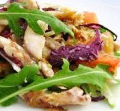 Receita deSalada de Peixe Esta receita de Salada de Peixe, é uma receita simples, rápida e umaforma deliciosa de comer legumes fazendo uma alimentação saudável e com satisfação. Veja como fazer esta receita de Salada de Peixe,deixe-nos a sua opinião.
