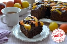 Frutti gialli e #cioccolata in un goloso abbraccio e il palato fa subito festa! Ecco un #dolce morbido ideale per la #colazione o la #merenda.  Clicca e Scopri la ricetta di Valle'...